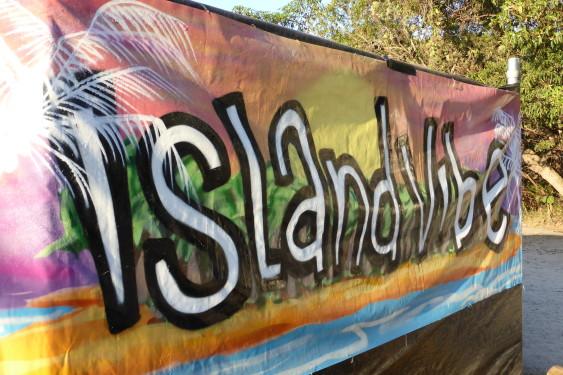 Island Vibe - 2013 - www.beaveronthebeats.com