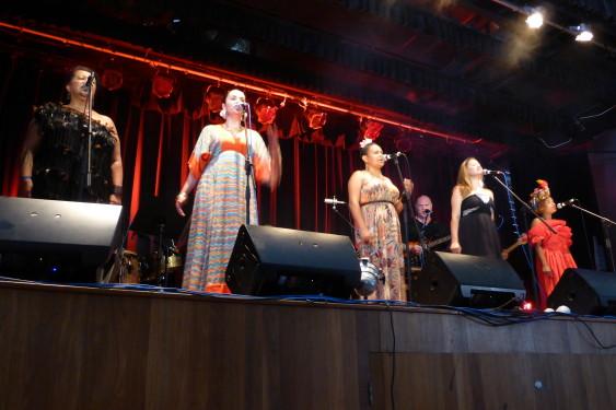 Barefoot Divas - Mullum Music Festival - 2013 - www.beaveronthebeats.com