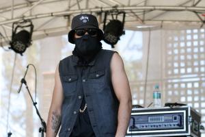 w/ Noah Slee live @ Brisbane Riverstage 2014