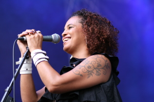 Neneh Cherry & Rocketnumbernine live at WOMADelaide 2015