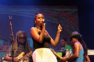 Tonysha Nelson - Parliament Funkadelic concert - Byron Bay Bluesfest 2015