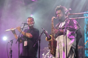 Kamasi Washington & Ricky Washington live concert 2016