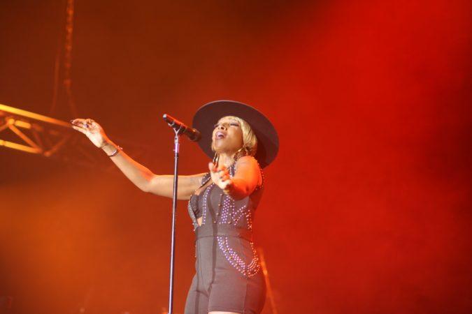 Mary J Blige live concert 2017
